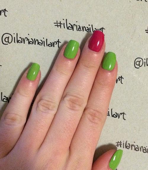nail art primaverile con dei colori vivaci come il verde e il fucsia