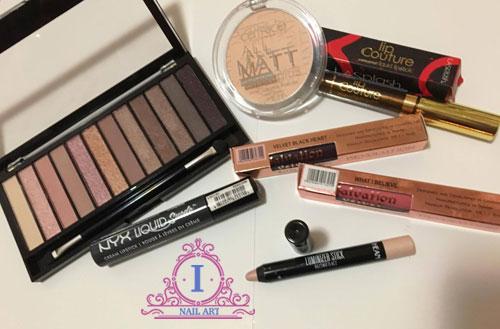 tra il makeup su maquillalia ho acquistato una palette, delle tinte labbra e prodotti per il viso
